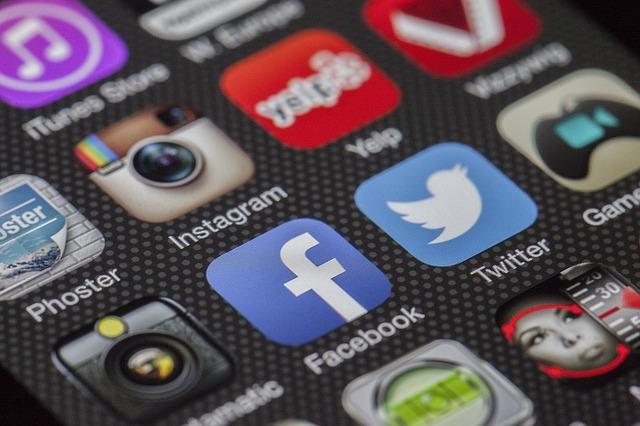 Is Social Media Print's New Best Friend?